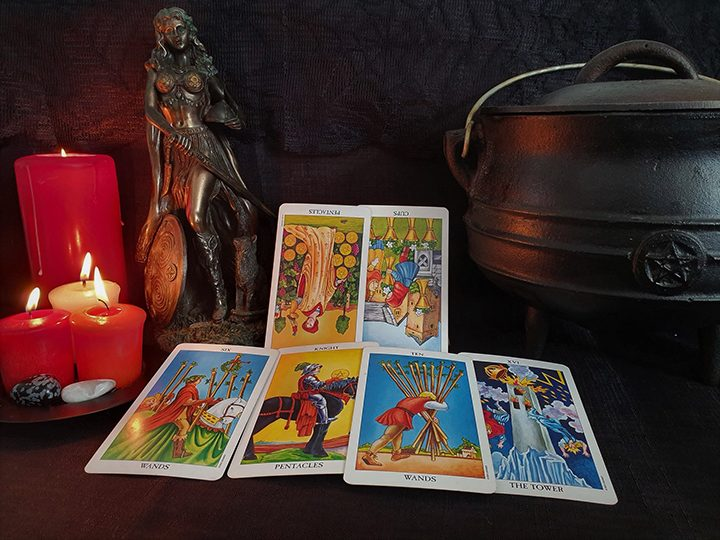 Gemini October tarot reading Pic: Violetann Tarot