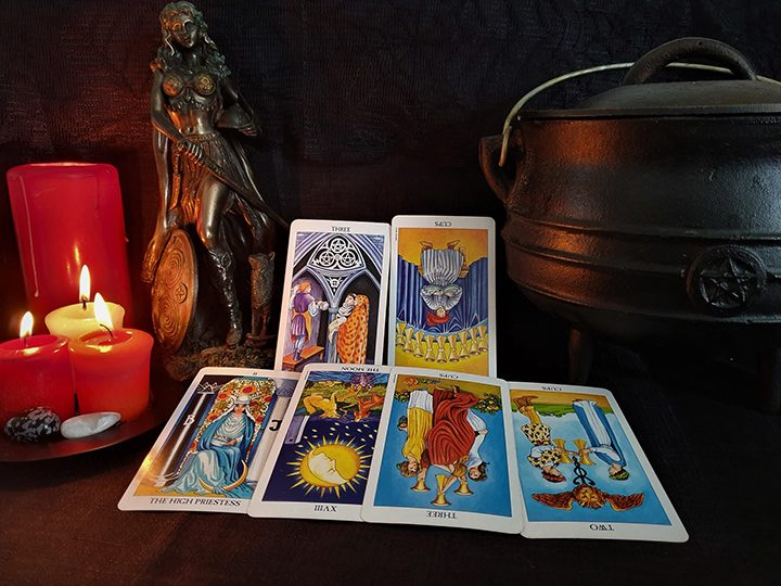 Leo October tarot reading Pic: Violetann Tarot