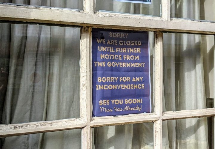 A closure notice in the window of The Bear's Paw in Church Street Pic: Tony Worrall