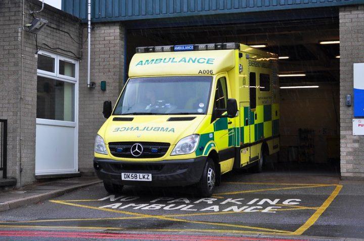 An ambulance leaving a depot Pic: Raymondo166
