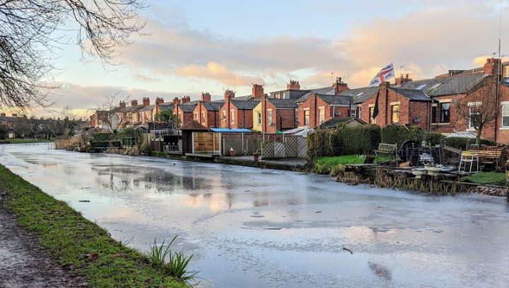 A frozen canal at Ashton-on-Ribble Pic: Tony Worrall