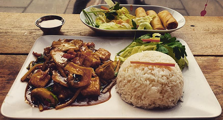Tofu Pad Kra Pow with steamed Jasmine rice from Taste of Thailand Pic: @vegan.preston