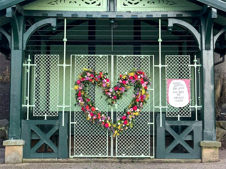 Avenham Park flower installation Pic: @honeyshideaway