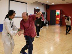 Feixia Yu teaching tai chi