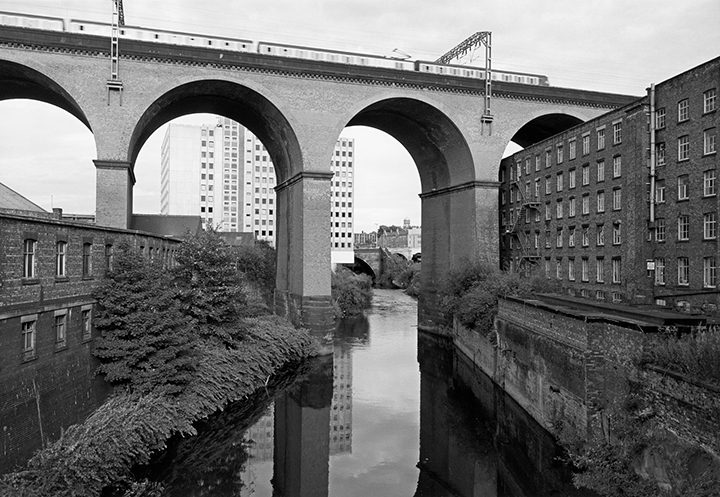 Stockport Viaduct 1986 Pic: John Davies