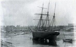 Alsop's shipyard and the new Penwortham bridge 1912 Pic: Preston Digital Archive